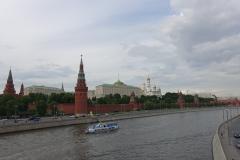 Moskva, dahinter Kreml mit Wladimirs Arbeitsplatz.
