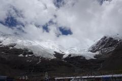 Karo La Gletscher - ging bis vor ein paar Jahren angeblich noch bis an die Straße.