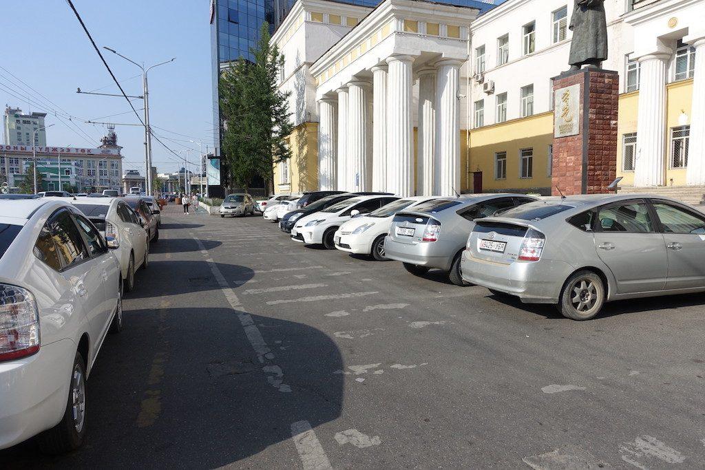Bilderrätsel: das Lieblingsauto der Ulaanbaaterer ist der...?