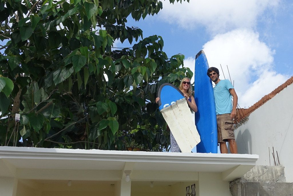 Im Selong Belanak Holiday Homestay steht dann bald unser Surfboard repariert wieder zur Verfügung ;)