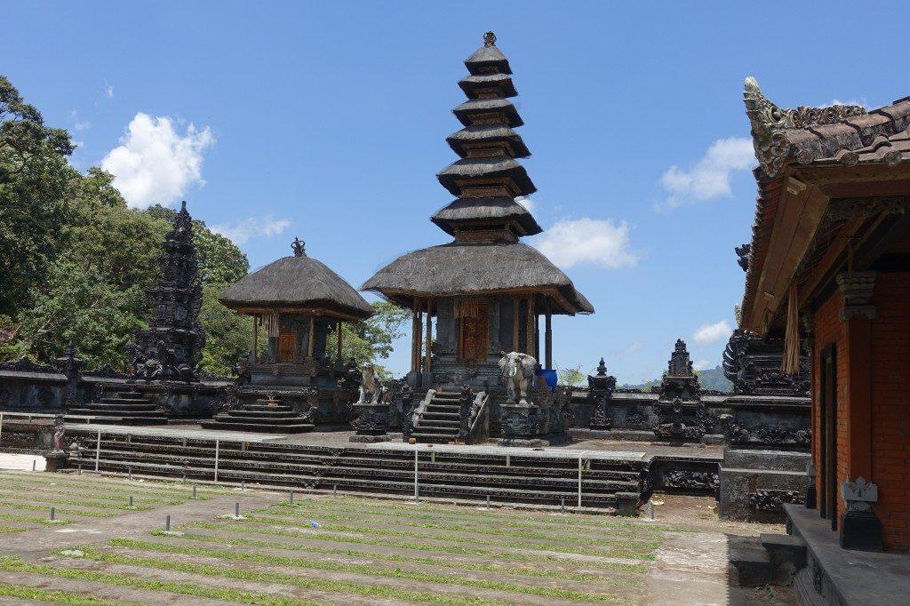 Endlich mal die typischen Tempel auf Bali sehen.