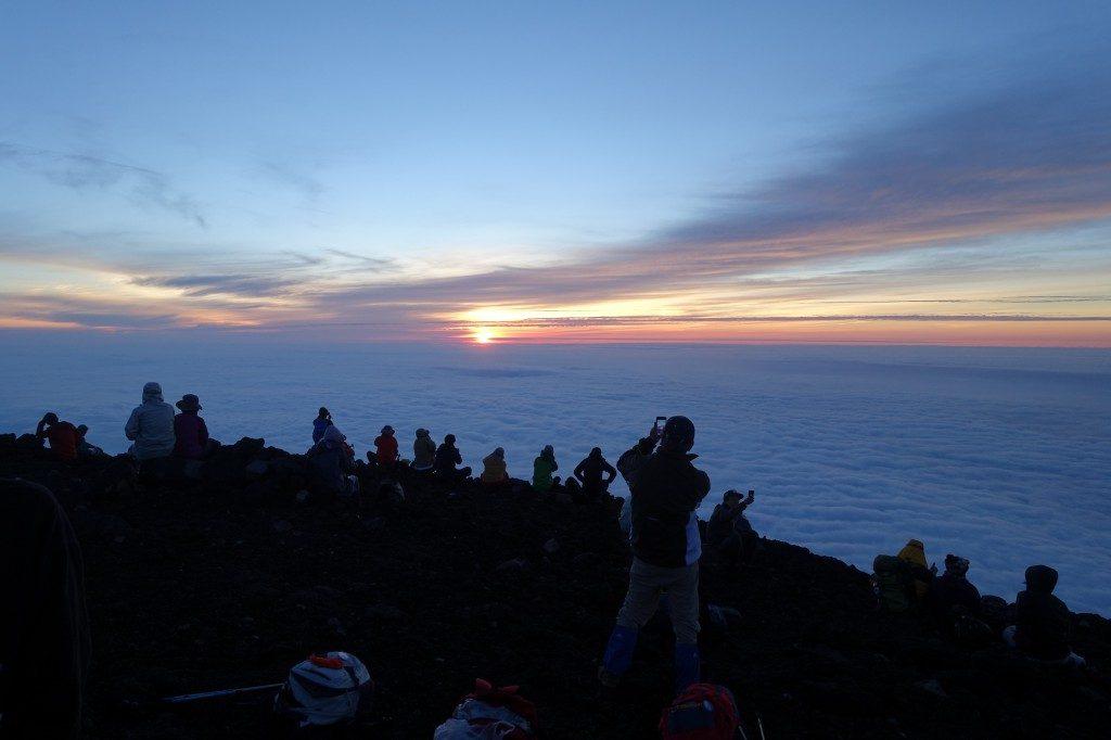 Am Ankunftspunkt des Gotemba Trail ist es zum Sonnenaufgang nicht überfüllt.