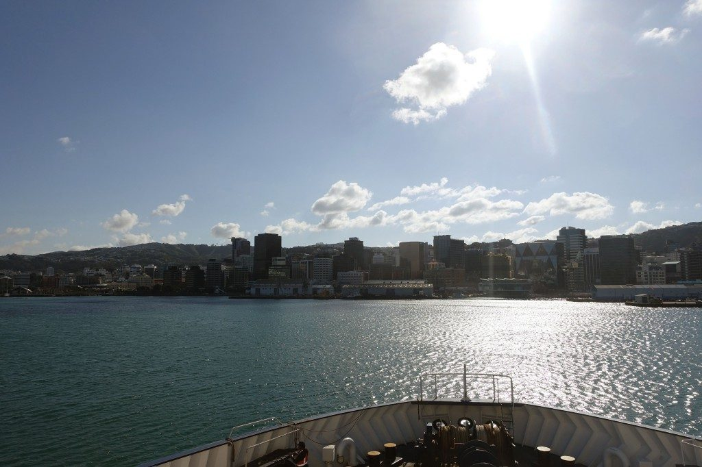 Einfahrt in den Hafen von Wellington