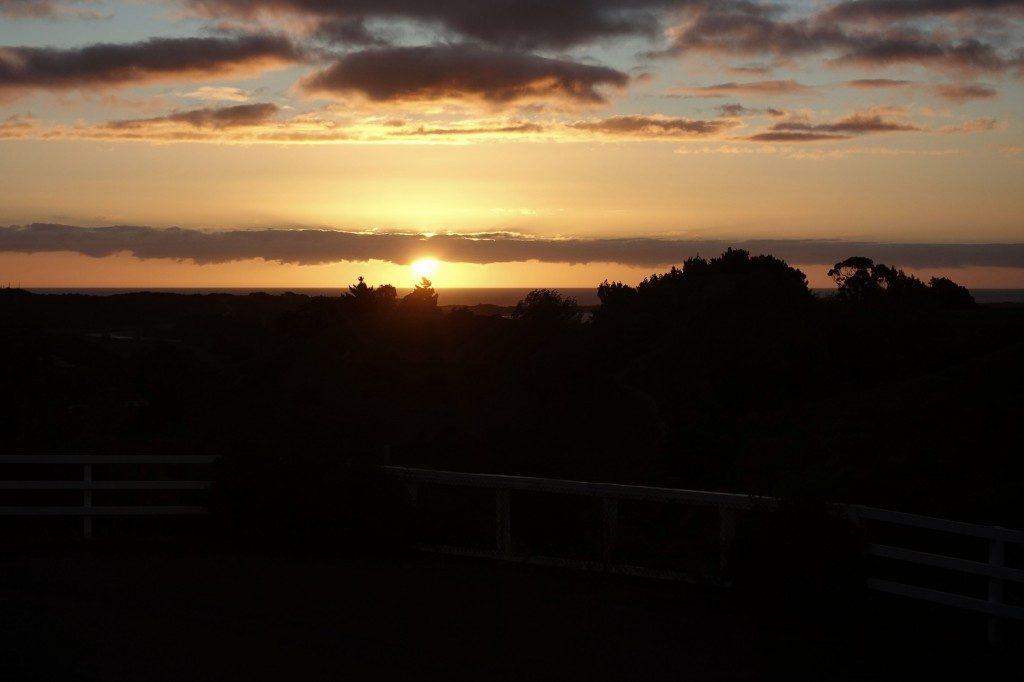 Den Sonnenuntergang vom Esstisch aus angucken, nachdem wir vorher in lecker gekocht haben.