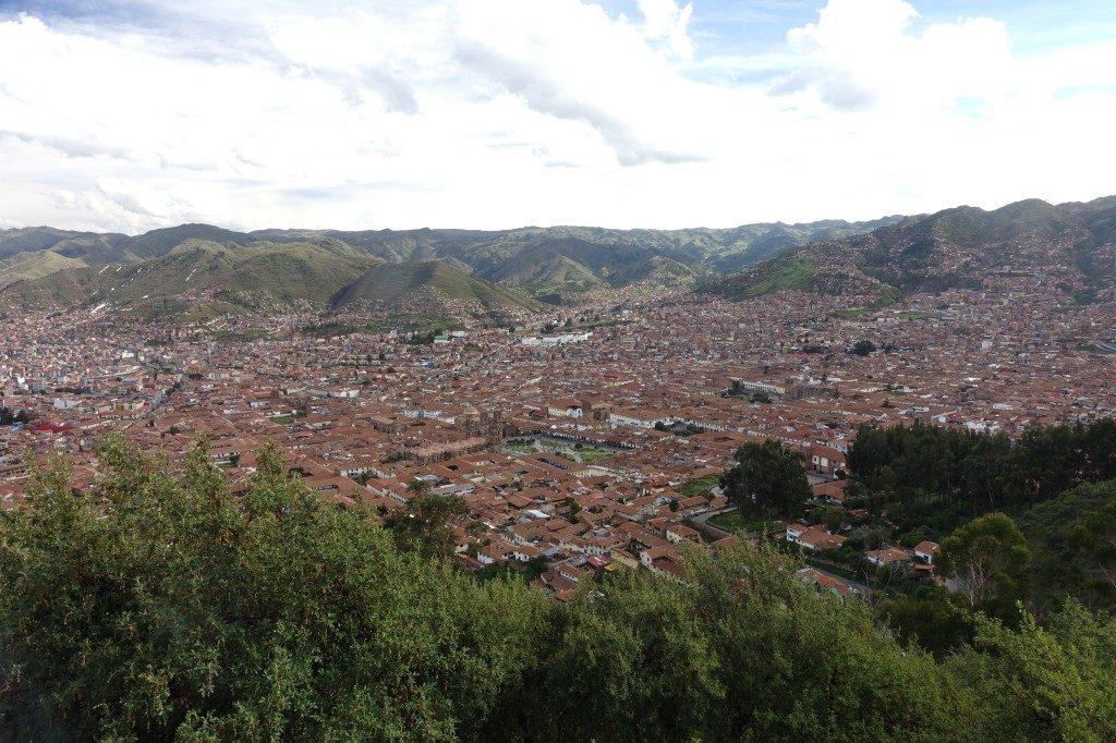 Nach einem anstrengenden Aufstieg wurden wir mit dieser Aussicht auf Cusco belohnt.