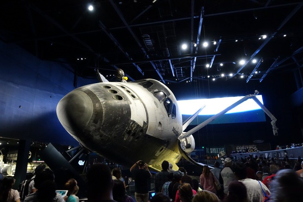 Nach 26 Jahren im Dienst kann man das Space Shuttle Atlantis nun im Kennedy Space Center bewundern